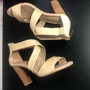Nude leather sandal w/ wood heel Diba True